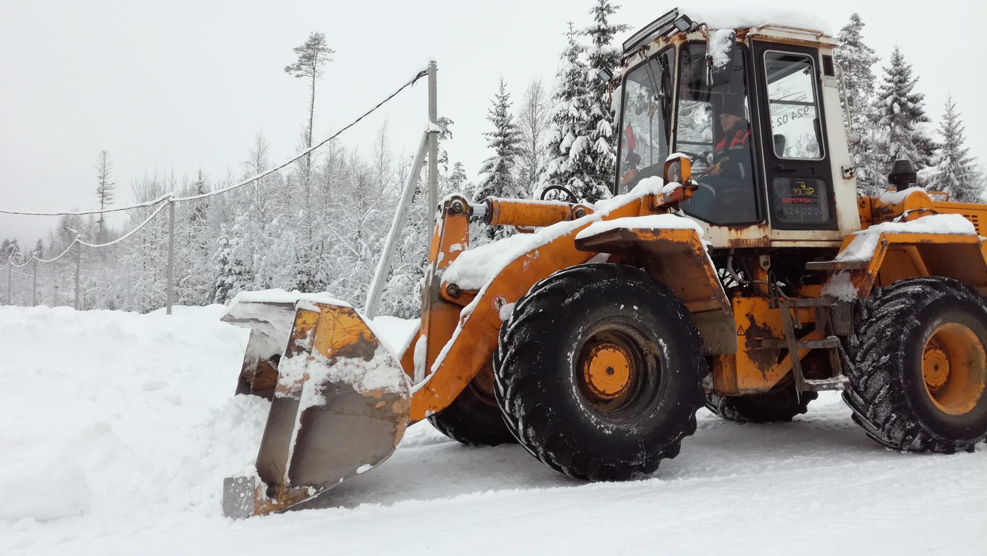Лопаты для уборки снега дёшево